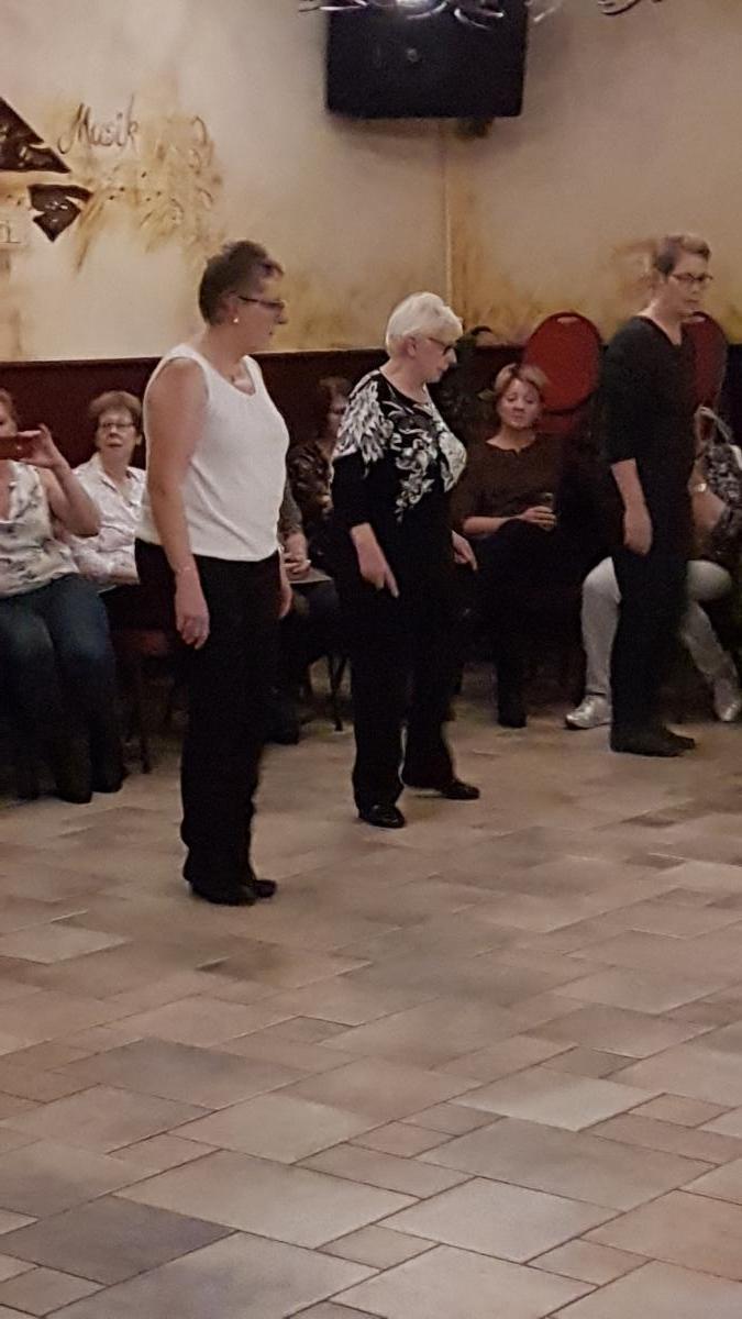 Line dance   (5)